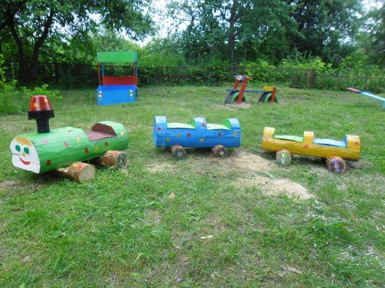 Поезд из бревен для детской площадки своими руками фото 84